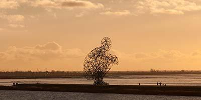 De poepende man aan het IJsselmeer bij Lelystad. Onze bijnaam? Hurkules