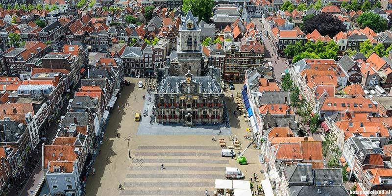 Markt, het centrale plein van Delft