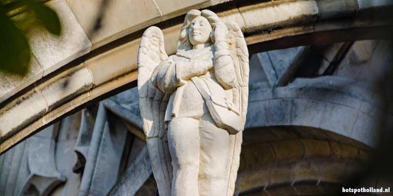 Ut Engelke, de bellende Engel op de Sint Jan kerk in Den Bosch