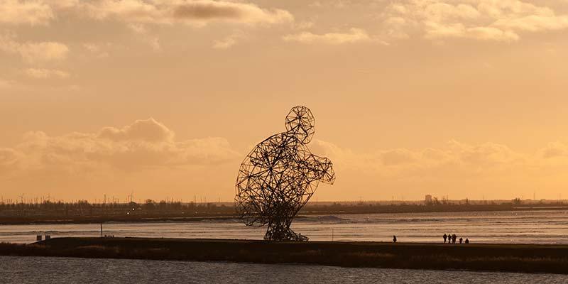 Het beeld Exposure in Lelystad, aka de poepende man