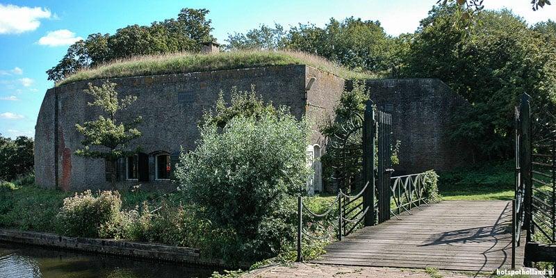 De Nieuwe Hollandse Waterlinie. Hier Fort Kijkuit bij Vreeland