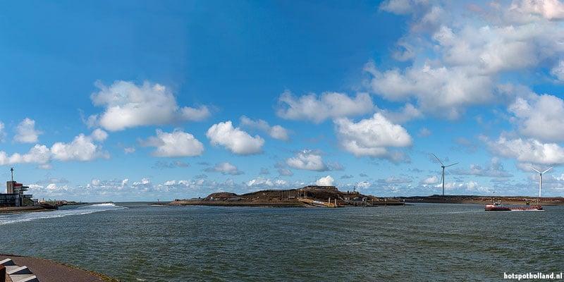 Forteiland IJmuiden, gezien vanuit de haven