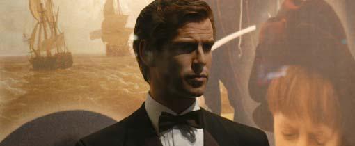 James 'Pierce Brosnan' Bond bij Madame Tussauds in Amsterdam