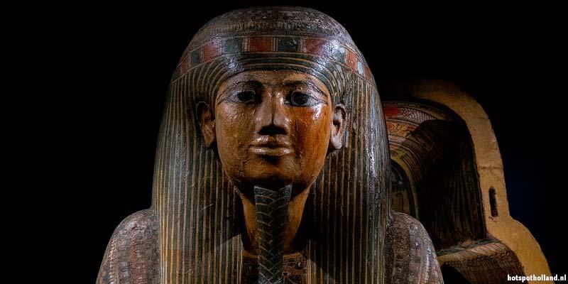 In Leiden kun je de mooiste Egyptische schatten bewonderen, waaronder deze mummie