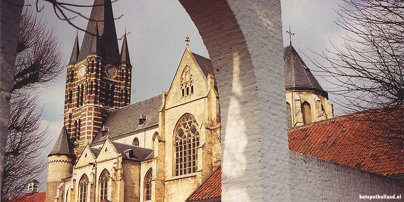 Thorn in Midden Limburg is het witste stadje van Nederland. Foto: De Abdijkerk van Thorn