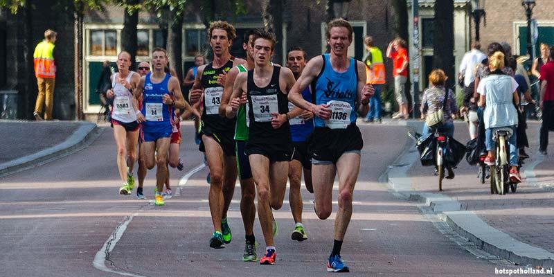 Finish in het Olympisch Stadion. De Marathon van Amsterdam