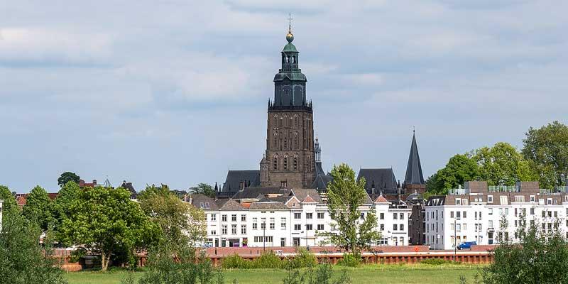 Zutphen gezien vanaf de overkant van de rivier